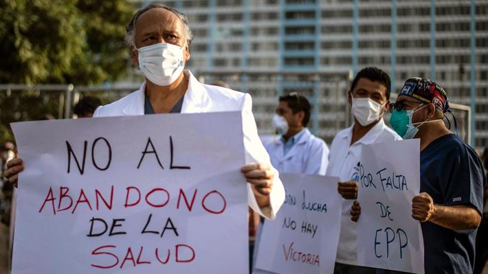 Médicos peruanos paran por dos días en medio de rebrote del coronavirus