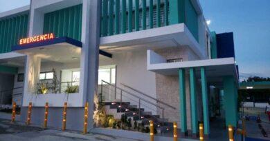 Inauguran moderna sala de emergencias y UCI en centro médico de LR