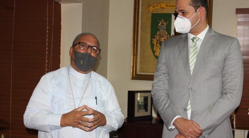 Director Promese y rector de UCSD revisan temas de salud