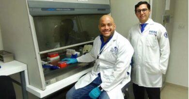 """Virólogo advierte no """"bajar la guardia"""" frente a pandemia"""