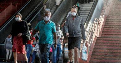Brasil supera las 130 mil muertes por covid-19 y cifra de contagios se acerca a los 4,3 millones