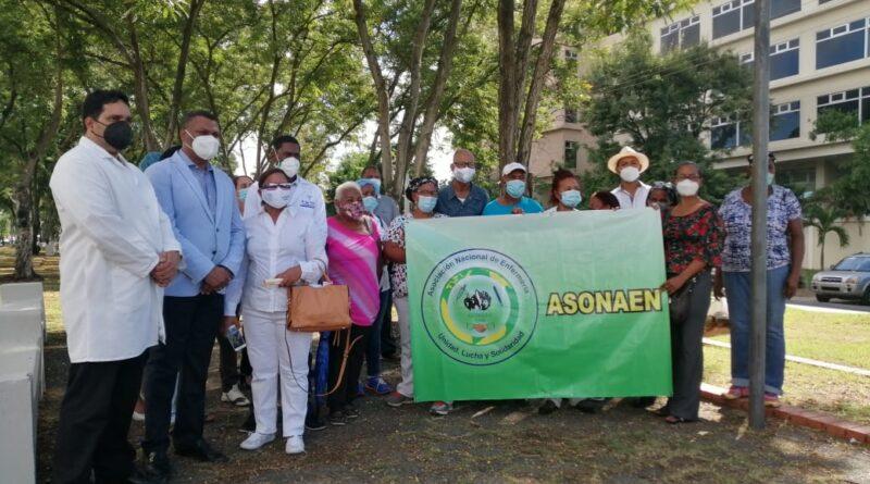 Colegio Médico demanda reposición de galenos cancelados del del Plan Social de la Presidencia
