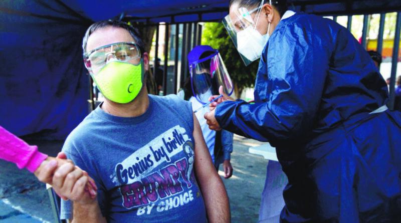 Jefe OMS cree vacuna COVID podría estar lista a fin de año