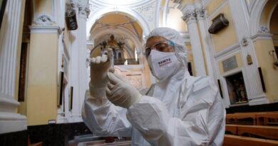"""Italia iniciará una campaña de vacunación """"sin precedentes"""" contra el coronavirus a finales del próximo enero"""