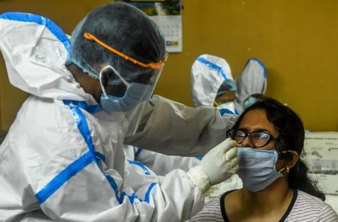 RD rompe record de muestras de coronavirus procesadas