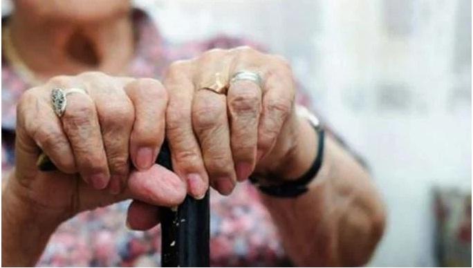 La muerte les llegó a tres mil personas esperando su pensión