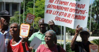 """Un """"cuello de botella"""" en IDSS ha estorbado aprobación pensiones"""