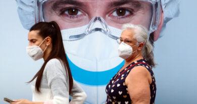 Una empresa española desarrolla una mascarilla inteligente que mata al covid-19 por contacto con un 99 % de eficacia