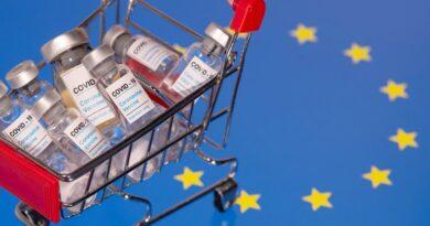 Moderna, Pfizer y AstraZeneca: la Agencia Europea del Medicamento estudia las vacunas de COVID-19