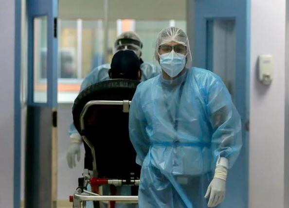 Pedidos de pruebas de Covid desbordan los laboratorios