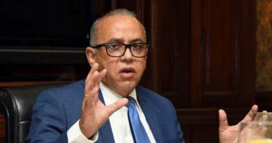 Ministro de Salud dice van a ser flexibles en la movilidad por Navidad