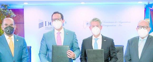 Empresas firman un acuerdo sobre el sector de seguros