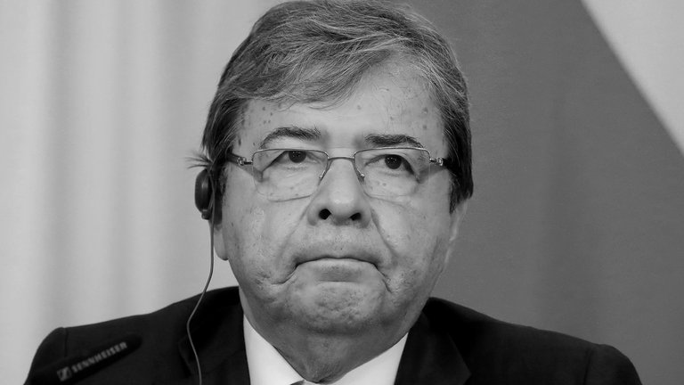 Falleció el ministro de Defensa de Colombia, Carlos Holmes Trujillo, tras varios días de complicaciones por covid-19