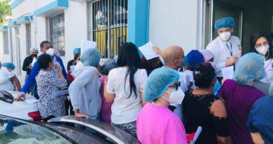 Desorden matiza jornada de vacunación en el Reid Cabral