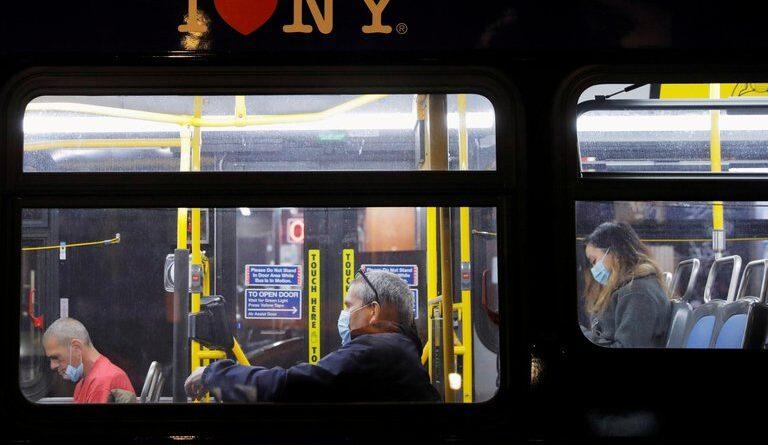 Coronavirus en Estados Unidos: entra en vigor el uso obligatorio de mascarillas en transportes públicos