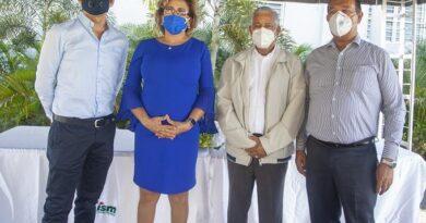 ISM entrega central de oxígeno y ventilador al Hospital General Santiago Rodríguez