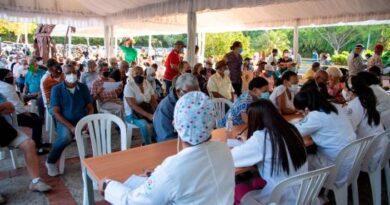Estiman que el 90 % de los dominicanos se vacunará contra el COVID-19
