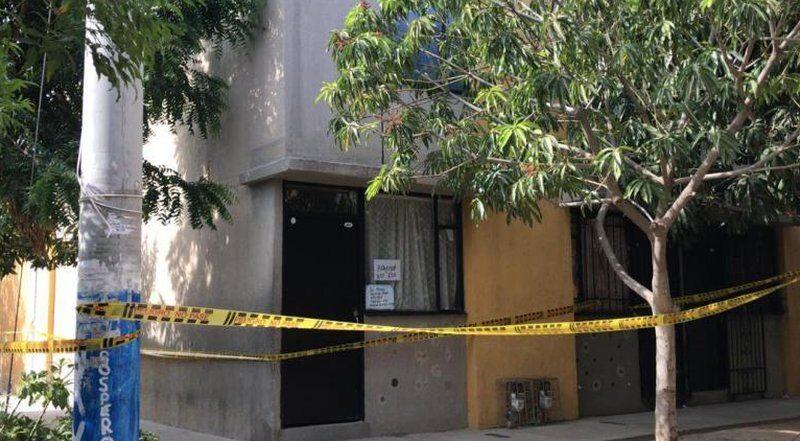 Por miedo a morir en una UCI, como siete de sus familiares, hombre se encerró en su casa, donde murió a causa del COVID-19