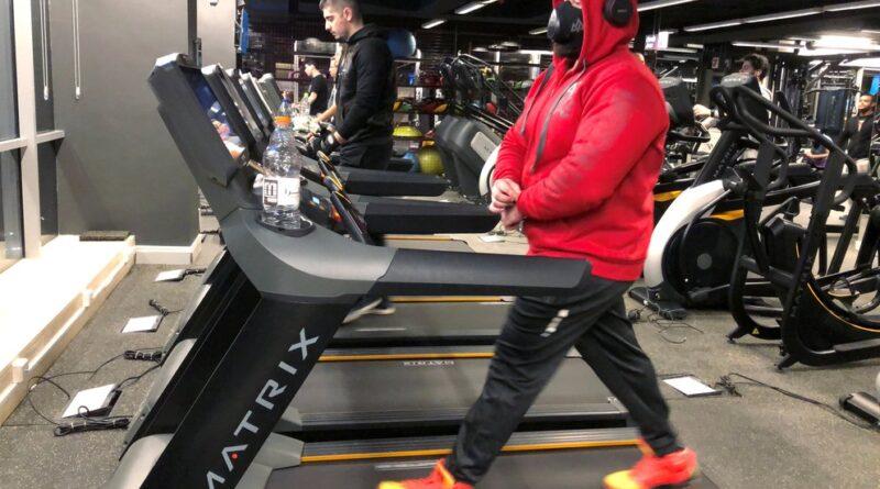 Usar tapaboca durante el ejercicio intenso es seguro y no afecta el rendimiento