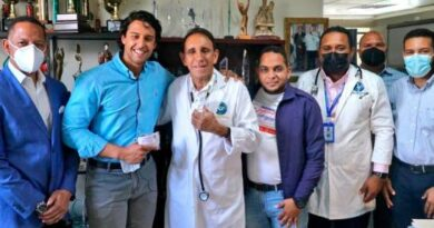 Donan tratamiento médico contra COVID-19 a la clínica Cruz Jiminián