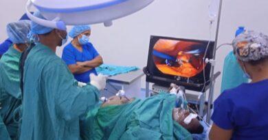 Realizan primera cirugía laparoscópica en Hospital San Bartolomé de Neiba