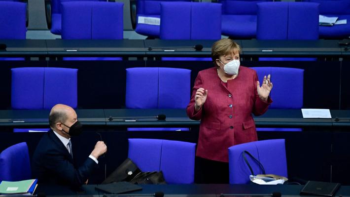 """Merkel asegura que la pandemia tiene """"firmemente agarrada"""" a Alemania y pide nuevas restricciones"""