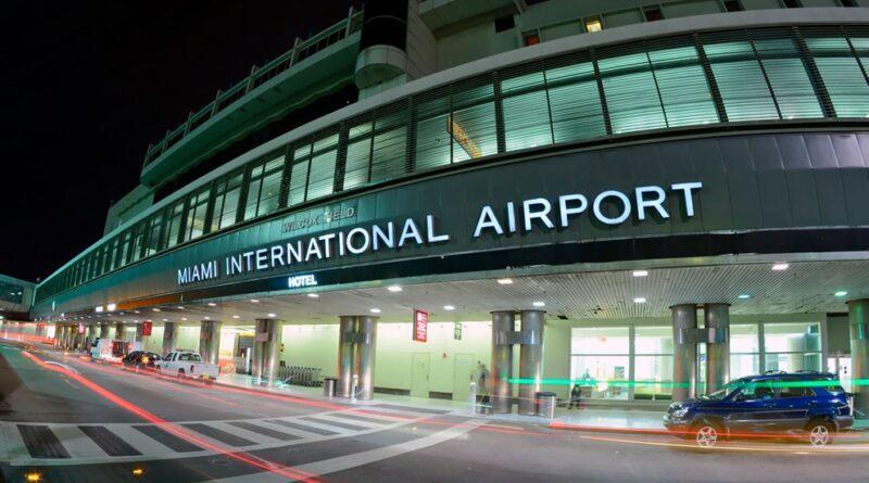 Coronavirus en EEUU: comenzaron a vacunar en el aeropuerto internacional de Miami
