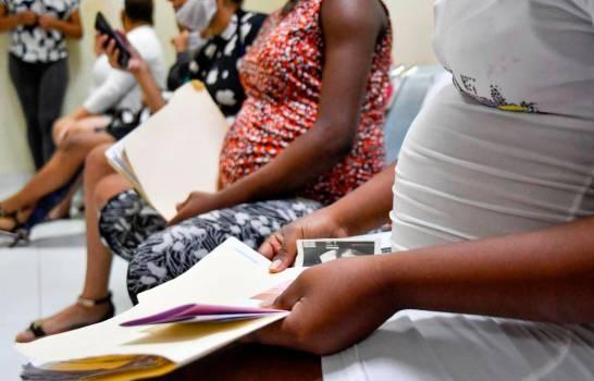 Aumentan casos de COVID-19 en embarazadas; en un mes se suman 596 mujeres contagiadas