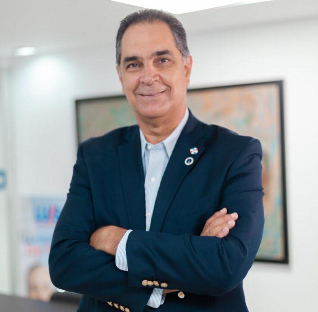Dr. Santiago Hazim