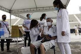 Brasil destinará más de 1.000 millones de dólares a la compra y producción de vacunas contra el COVID-19