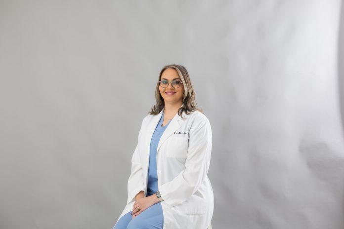 Coordinadora UCSD es coautora de artículo científico para revista Journal of Endodontic