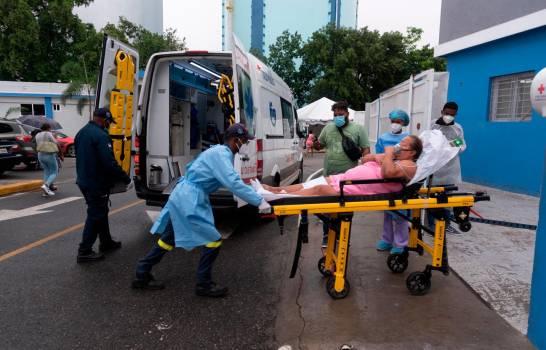 ATENCIÓN: Trece centros médicos del Gran Santo Domingo sin disponibilidad en UCI para pacientes COVID-19