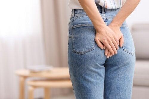 Ligadura de hemorroides con banda elástica: ¿en qué consiste?
