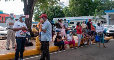 Angustia y desesperación en hospitales de atención COVID-19 en el Distrito Nacional