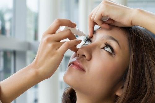 Cuidados básicos para la higiene de los ojos