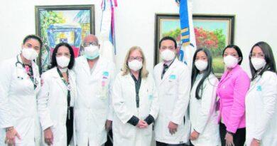 Especialistas del Oncológico en congreso científico