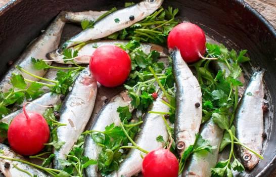 Las dietas a base de plantas y pescado reducen la gravedad del COVID-19