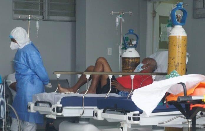 Salud: Pacientes sin vacunar en UCI tienen más riesgos de morir