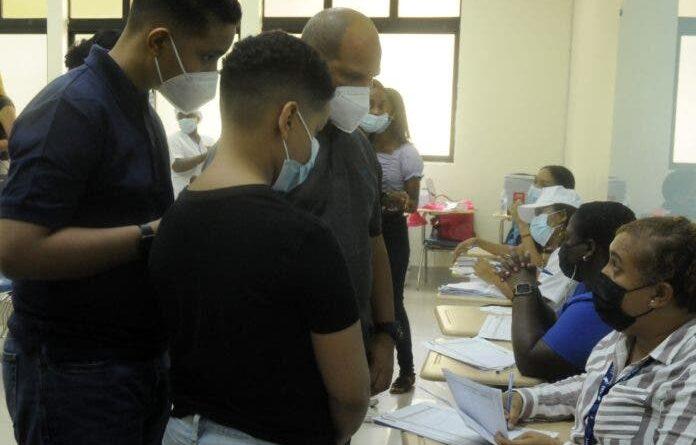 Muchos barrios de GSD están sin vacunas para adolescentes