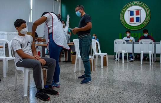 OMS recomienda al país continuar esquema vacunación de dos dosis