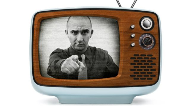 Un televisor