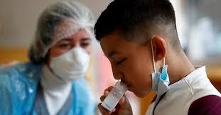 Por qué los niños tienen menos síntomas graves de COVID-19