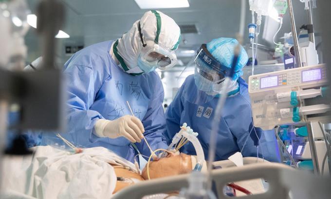 La intubación, la sed de aire que causa el Covid