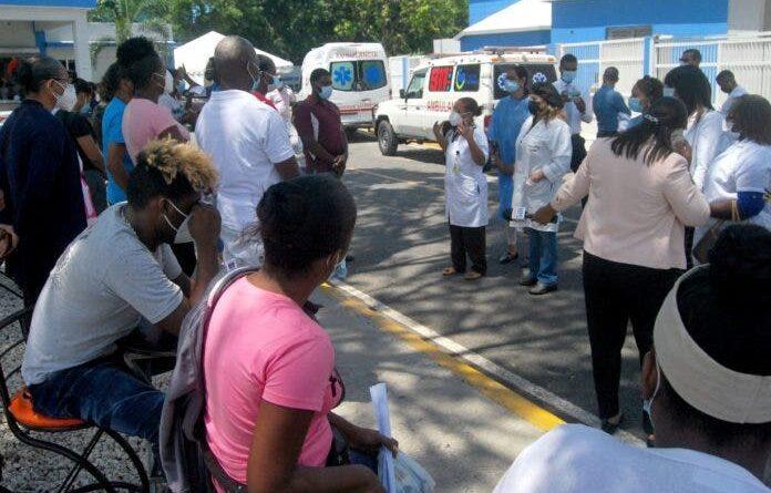 Salud Pública reporta 10 muertes por Covid y 669 casos nuevos