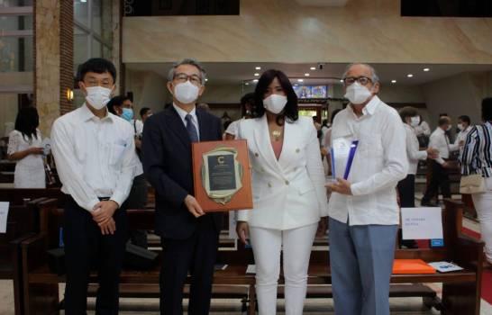 Centro de Gastroenterología Dr. Luis Eduardo Aybar reconoce colaboradores