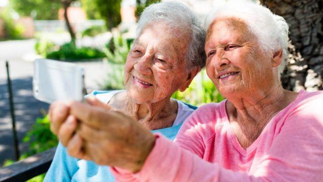 Mujeres de edad avanzada