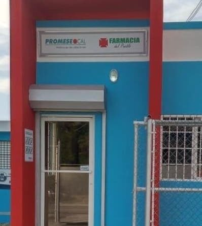 Promese inaugura una farmacia en Ocoa