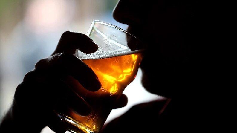 Venta y consumo alcohol prohibidos desde 12 PM, pese a flexibilización