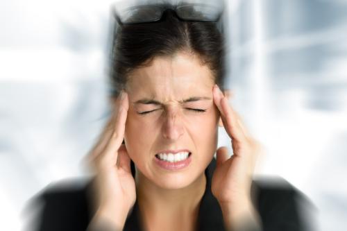Qué son los dolores de cabeza tipo trueno y por qué aparecen?
