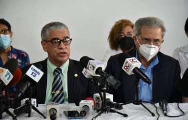"""La """"guerra sin fin"""" entre los médicos y las Administradoras de Riesgos de Salud"""